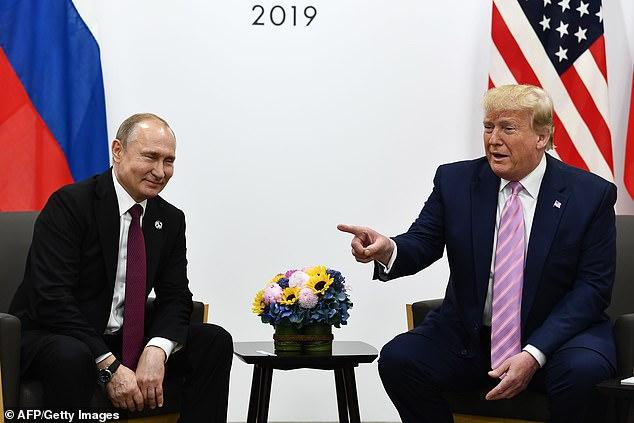 آغاز دیدار دوجانبه رؤسای جمهور روسیه و آمریکا / ترامپ خطاب به پوتین: در انتخابات دخالت نکن+ تصویر