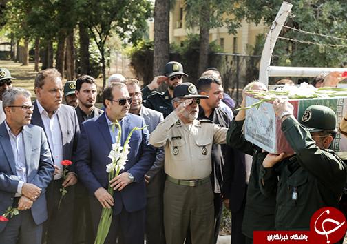 مراسم استقبال از شهداء در فرودگاه شیراز