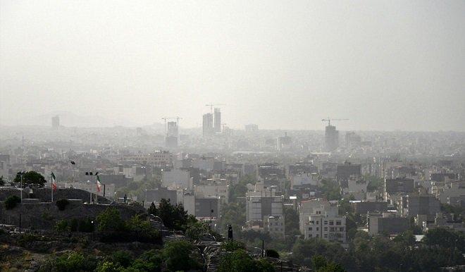 تابستانی آلوده در پایتخت/ هوای تهران با شاخص ۱۳۲ در شاریط ناسالم برای گروههای حساس قرار دارد