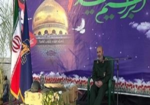 شهدای مدافع حرم انقلاب اسلامی را بیمه کردند/امروز ایران در بهترین شرایط دفاعی قرار دارد