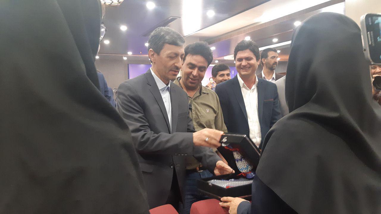 مراسم تودیع و معارفه رئیس جدید کمیته امداد امام خمینی (ره) برگزار شد
