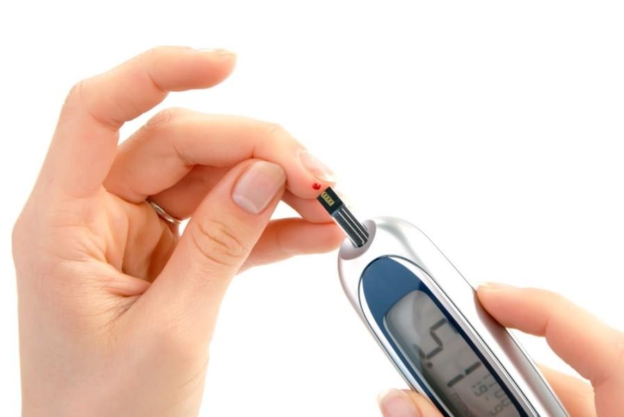 علائمی که دیابت نوع ۲ خبر میدهد + روش درمانی