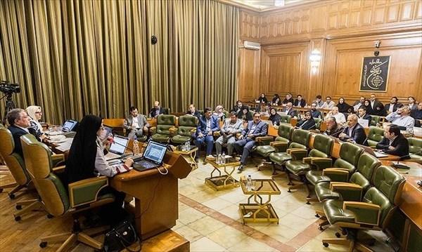 چالش اعضای شورای شهر تهران بر سر قرائت گزارش تلفیق صورتهای مالی سال ۹۳