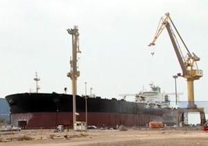 مهارت متخصصان ایرانی در تعمیر نفتکشهای غول پیکر + فیلم