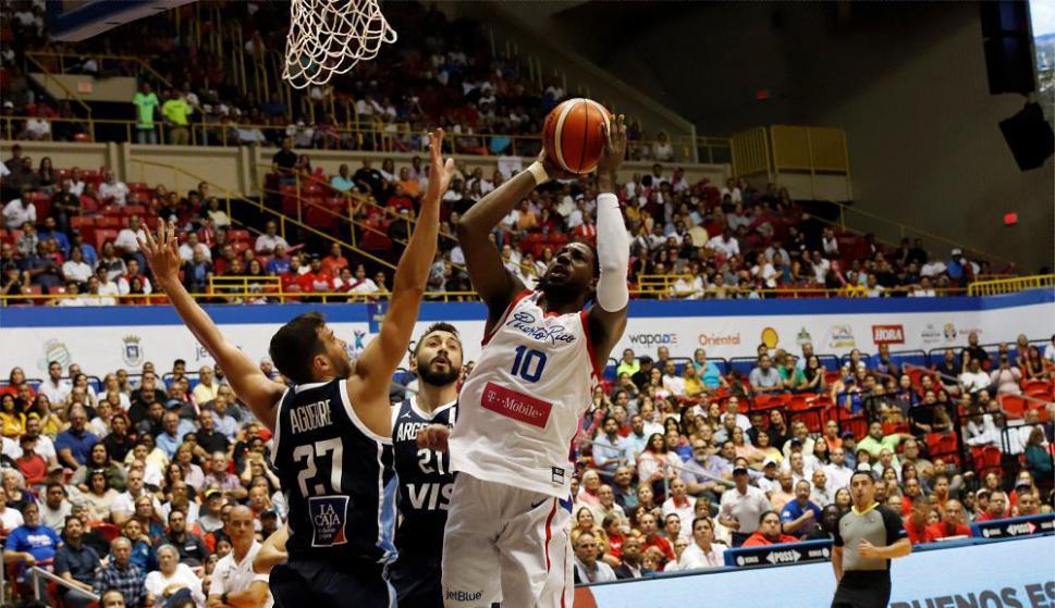 ستاره بسکتبال به دلیل درخواست پول برای حضور در تیم ملی، محروم شد!