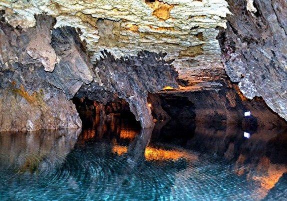 غار ده شیخ مستعد تبدیل شدن به یکی از قطبهای گردشگری جنوب کشور