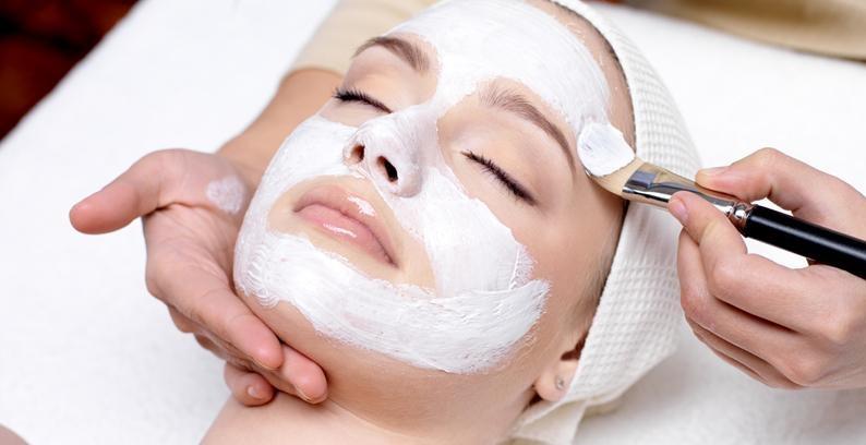 ماسکی که پوستتان را مثل هنر پیشهها زیبا و درخشان میکند + فرمول ماسک لایه بردار عسل و آسپرین/// ماسک عسل و آسپرین پوستتان را مثل هنر پیشهها زیبا و درخشان میکند +فرمول ماسک طبیعی لایه بردار پوست
