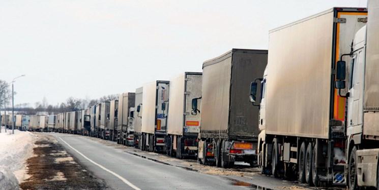 بازار مکّاره در پایانههای مرزی مشکلساز شد/ یک بام و ۲ هوای مشکلات کامیونداران