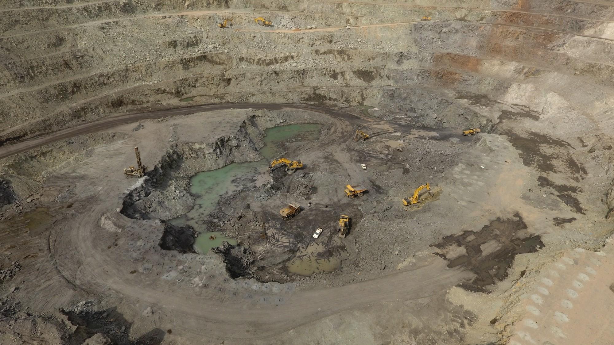 پایان خام فروشی سنگ آهن با تکمیل زنجیره فولاد/پیشرفت ۶۰درصدی زنجیره فولاد در استان یزد