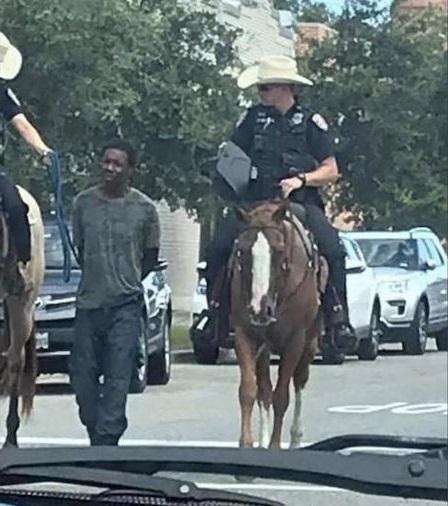 رفتار نژادپرستانه پلیس تگزاس آمریکا با یک سیاهپوست + عکس