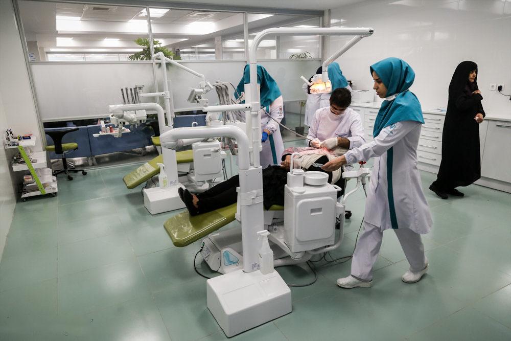 تحصیل ۶۰ هزار دانشجوی پرستاری در کشور