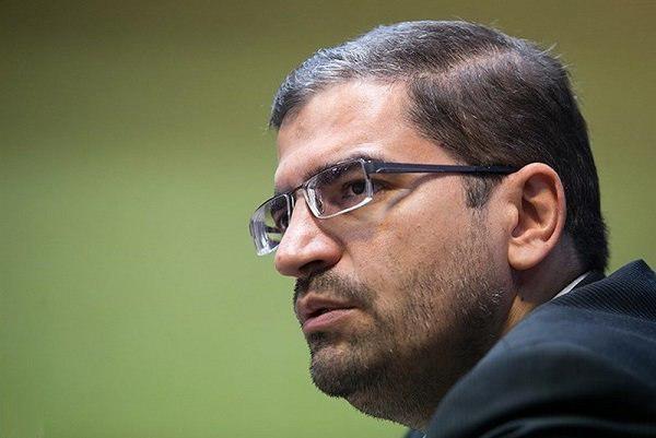 قاضی زاده هاشمی: حجت الاسلام رئیسی در پرونده فساد در فوتبال ورود پیدا کند