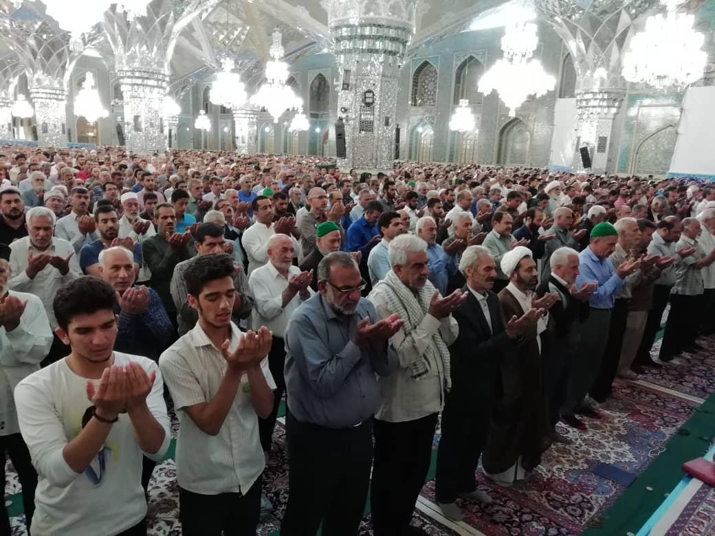 برپایی نماز بندگی در بارگاه منور رضوی/ نماز عید قربان در حرم مطهر رضوی برگزار شد + تصاویر