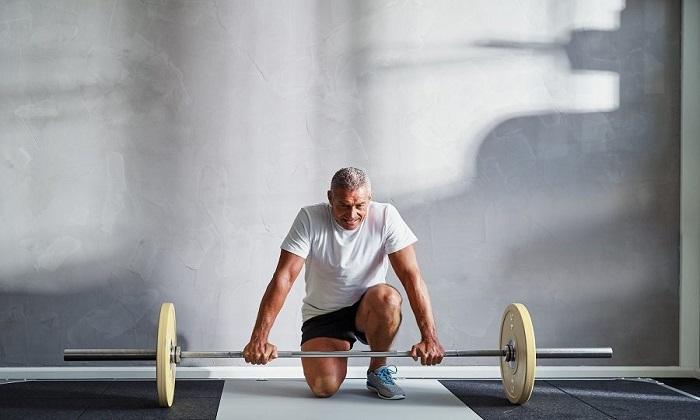 ویژه آقایان: ۹ روش برای کاهش وزن پس از ۵۰ سالگی