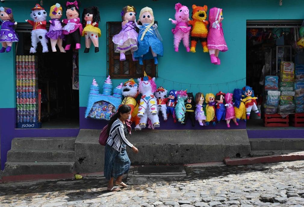 تصاویر روز: از موتور سواری ولادیمیر پوتین در روسیه تا نجات حیوانات از سیل سهمگین میانمار
