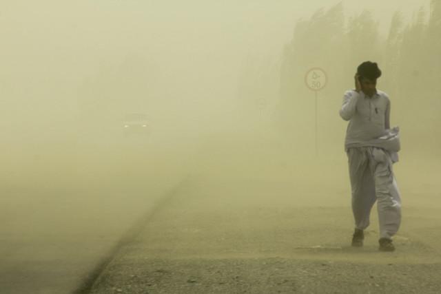 افزایش غلظت گرد و غبار در زابل/ سرعت باد به ۹۴ کیلومتر بر ساعت رسید