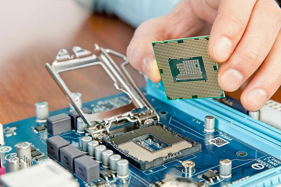استخدام متخصص الکترونیک در یک شرکت معتبر