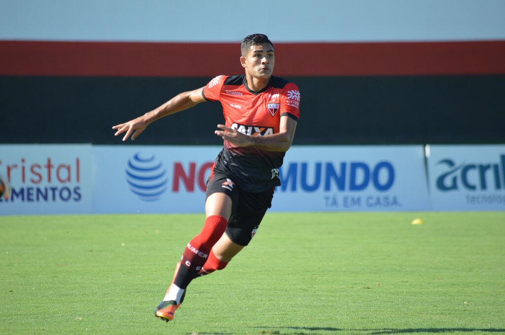 جونیور براندائو برای عقد قرارداد با پرسپولیس به ایران نیامده است