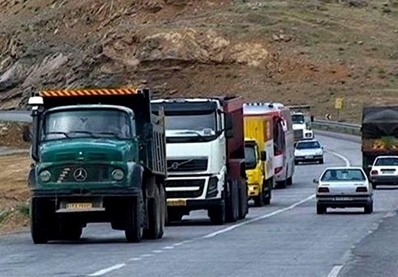 فرار ۳۰ تا ۴۰ درصدی بارنامه از سوی کامیونداران / صدور روزانه هزار و ۵۰۰ بارنامه بینالمللی از سوی شرکتهای حملونقلی