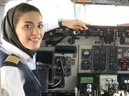 لحظه فرود بانوی خلبان ایرانی با یک هواپیمای MD80 +فیلم