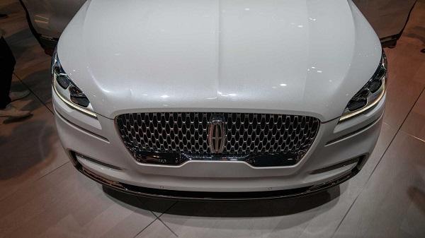 شاسی بلند جدید لینکولن، خودرویی پرقدرتمند با ۵۰۰ اسببخار قدرت +تصاویر