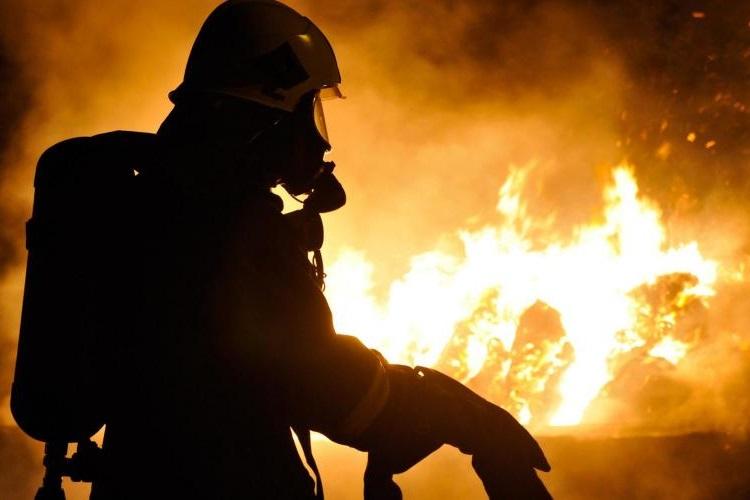 جنگلهای یونان در پی گرمای هوا و وزش باد در آتش سوختند