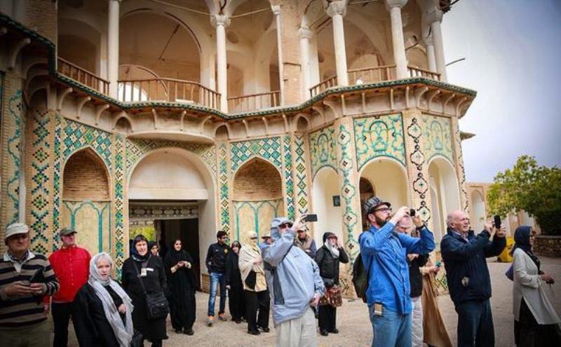 سازمان میراث فرهنگی چگونه با تورهای غیر مجاز برخورد میکند؟ /درخواست معاون گردشگری کشور از مردم