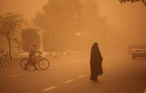 دودکش بادهای ۱۲۰ روزه همچنان غبار منتشر میکند/ آلودگی هوای زابل به ۱۶ برابر حد مجاز رسید