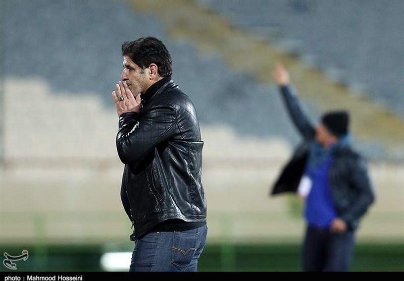 مهاجری: پیروزی برابر سپاهان بازیکنانم را به خود باوری رساند/هیچ تعلق خاطری به تهران ندارم