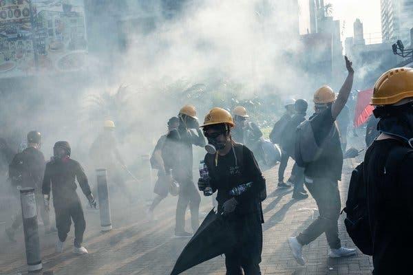 هشدار چین به افزایش خطر رشد تروریسم در میان خرابکاران مورد حمایت آمریکا در هنگ کنگ