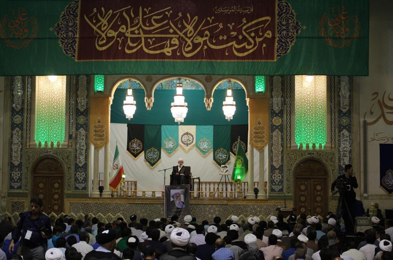 مراسم بزرگداشت آیت الله محسنی از سوی رهبر انقلاب اسلامی در حرم مطهر حضرت معصومه برگزار شد