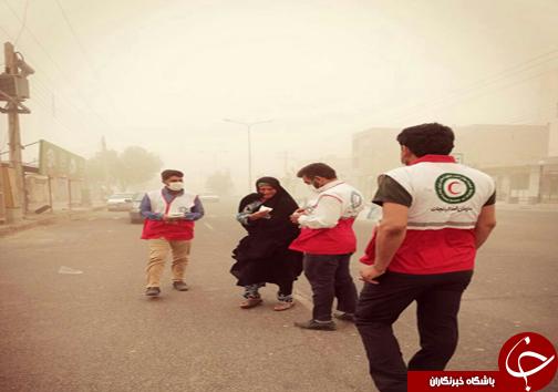 آسمان سیستان همچنان نفسگیر / توزیع ۲۰ هزار ماسک بین مردم طوفان زده زابل؛ زهک