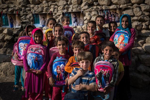 پویش مردمی تامین نوشت افزار کودکان بی بضاعت + فیلم