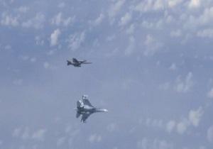 جنگنده اسپانیایی به هواپیمای وزیر دفاع روسیه نزدیک شد