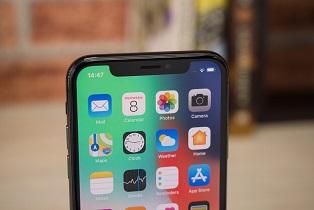 اپل به دنبال حذف بریدگی گوشیهای خود