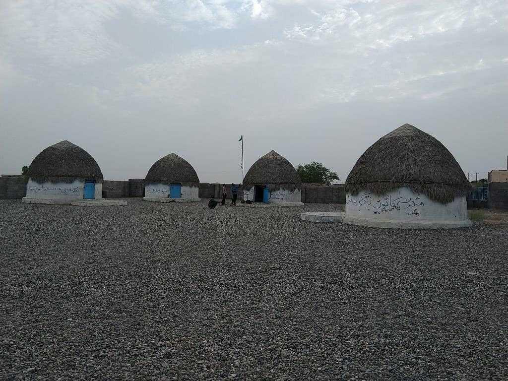 هوشمند سازی مدارس کپری در مناطق محروم + عکس