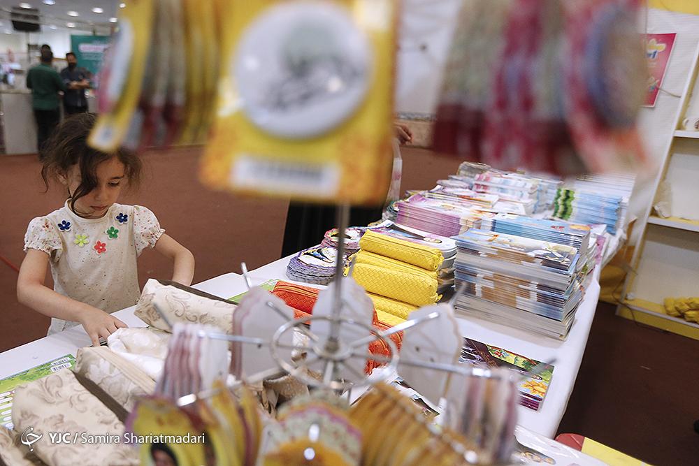 آیا مهر امسال هم بازار بی مهری به نوشت افزار تولید داخل داغ است؟ / ربیعی: تخصیص ارز ۴۲۰۰ برای واردات نوشت افزار!