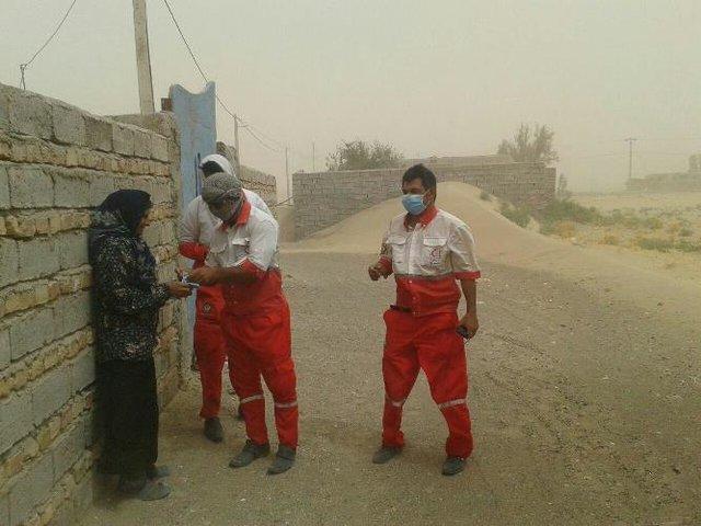 توزیع بیش از ۳۱ هزار ماسک در شهرهای طوفان زده سیستان/ نیروهای امدادی در آماده باش کامل قرار دارند