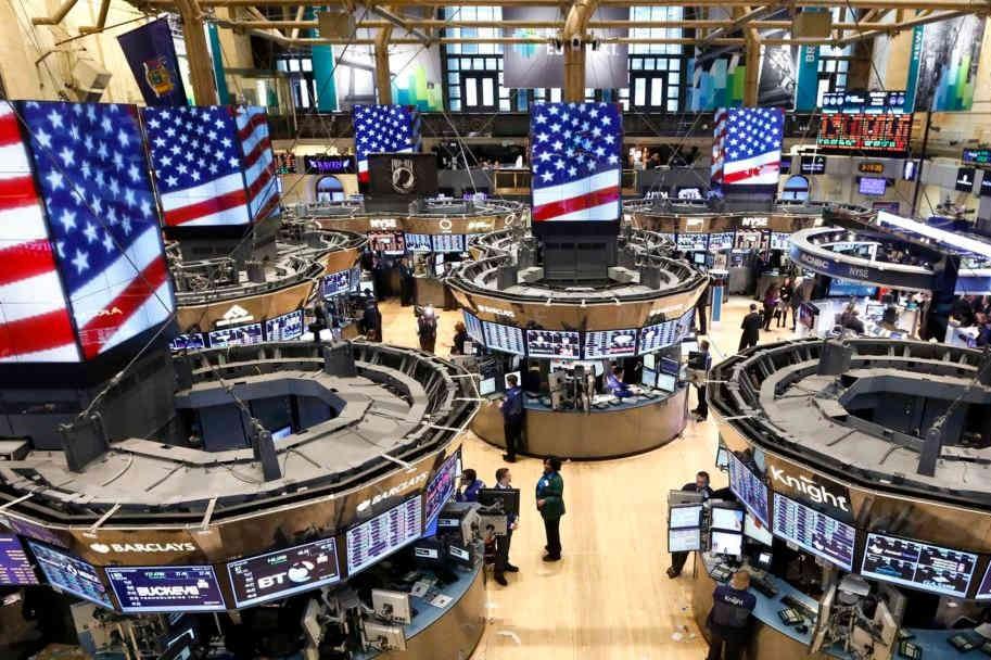 پولیتیکو درباره رکود در اقتصاد آمریکا هشدار داد