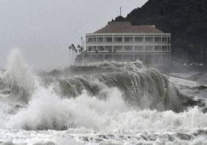 تخلیه بیش از ۵۸۰ هزار نفر در ژاپن در پی وقوع طوفان حارهای