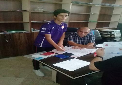 دانش آموز فوتبالیست اهوازی به تیم نونهالان فولاد خوزستان پیوست