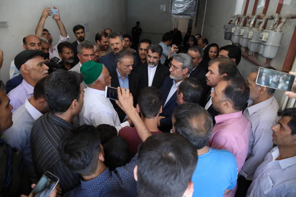 وزیر کشور به صورت سرزده از برخی محلات حاشیه شهر مشهد بازدید کرد