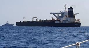 نفتکش گریس ۱ به همراه کاپیتان و سه پرسنل به مسیر خود ادامه می دهد