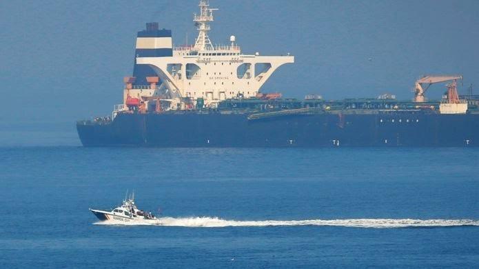 پایان چهل روز زورگیری دریایی؛ نفتکش گریس-۱ به راه خود ادامه می دهد