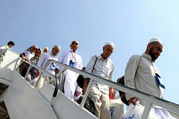باشگاه خبرنگاران -۲ هزار و ۹۰۰ زائر ایرانی با ۱۶ پرواز به کشور منتقل میشوند