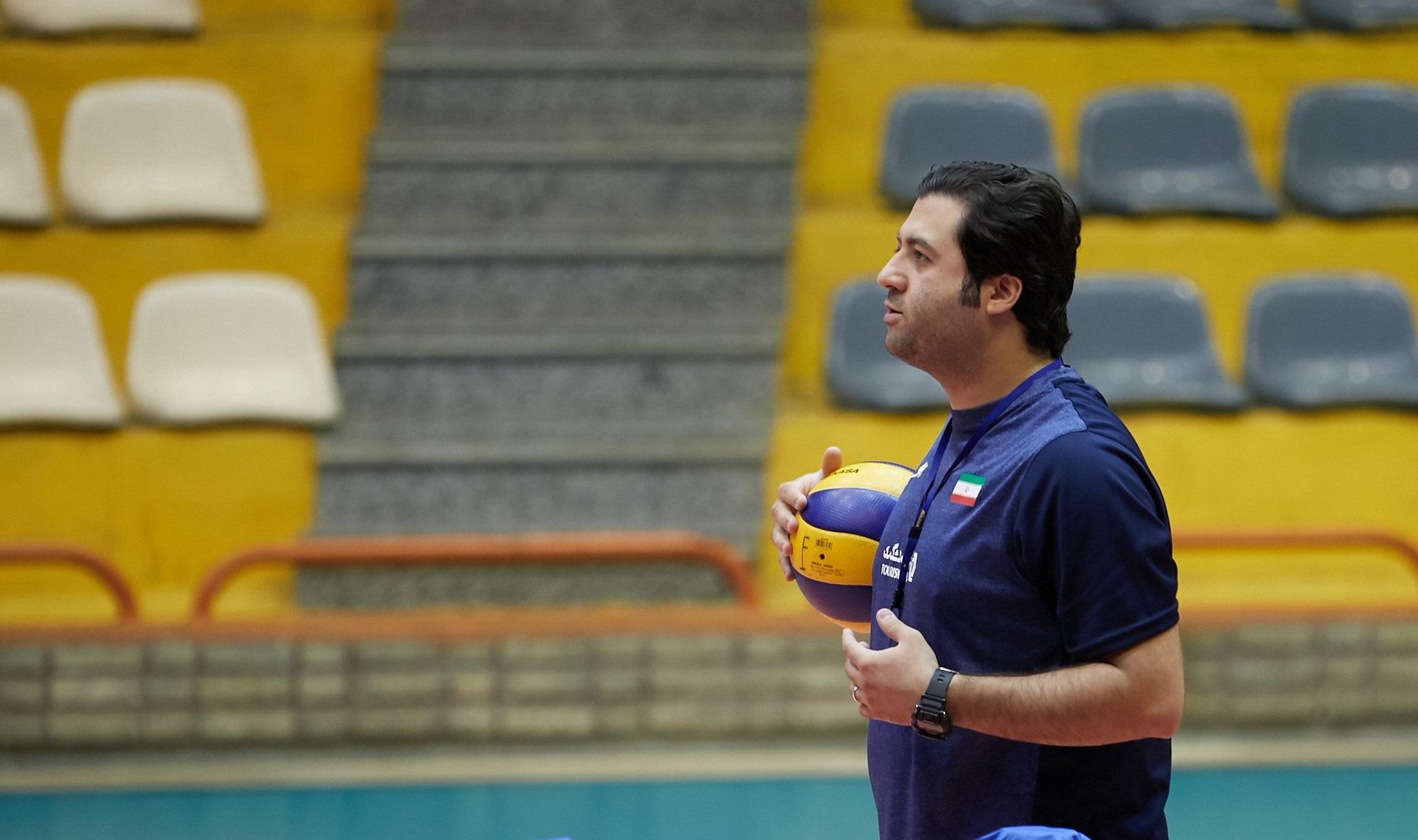 اظهارات کارشناسان درباره مربیان ایرانی در والیبال/ رضایی: ایرانیها با دانش و شهامتند/ طلوع کیان:امیدوارم روزی شاهد حضور ایرانی ها در تیم بزرگسالان باشیم