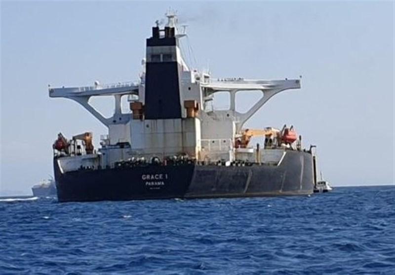 رویترز: نفتکش گریس ۱ در حال خارج شدن از آبهای جبل الطارق است