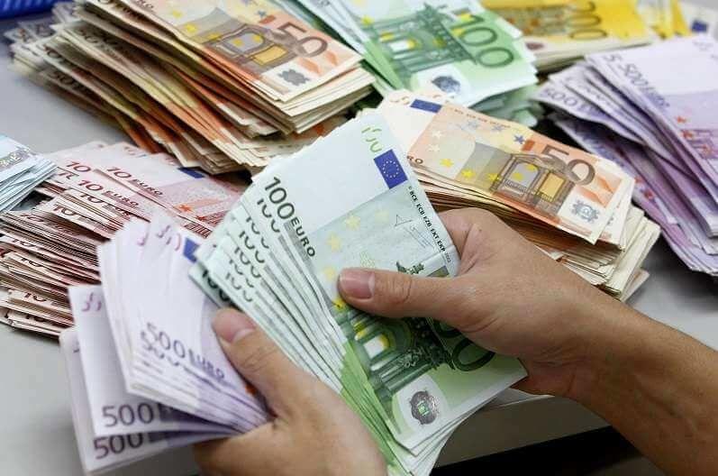 باشگاه خبرنگاران -جزئیات نرخ ارز در ۹۸/۵/۲۶/ یورو به قیمت ۱۳ هزار و ۲۰۰ تومان رسید