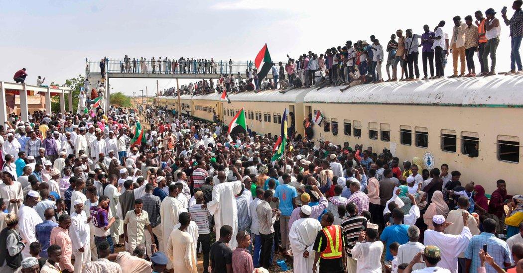 سند قانون اساسی موقت سودان امضا شد/جشن و پایکوبی مردم