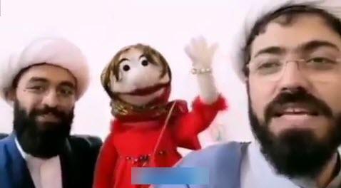 روحانی عروسک گردانی که باهنرش دین را تبلیغ می کند+فیلم